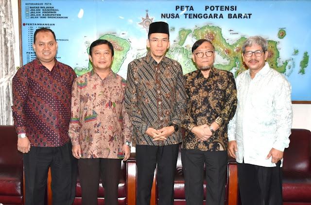 TGB Paparkan Nilai-Nilai Ke-Indonesiaan Kepada Tim UI
