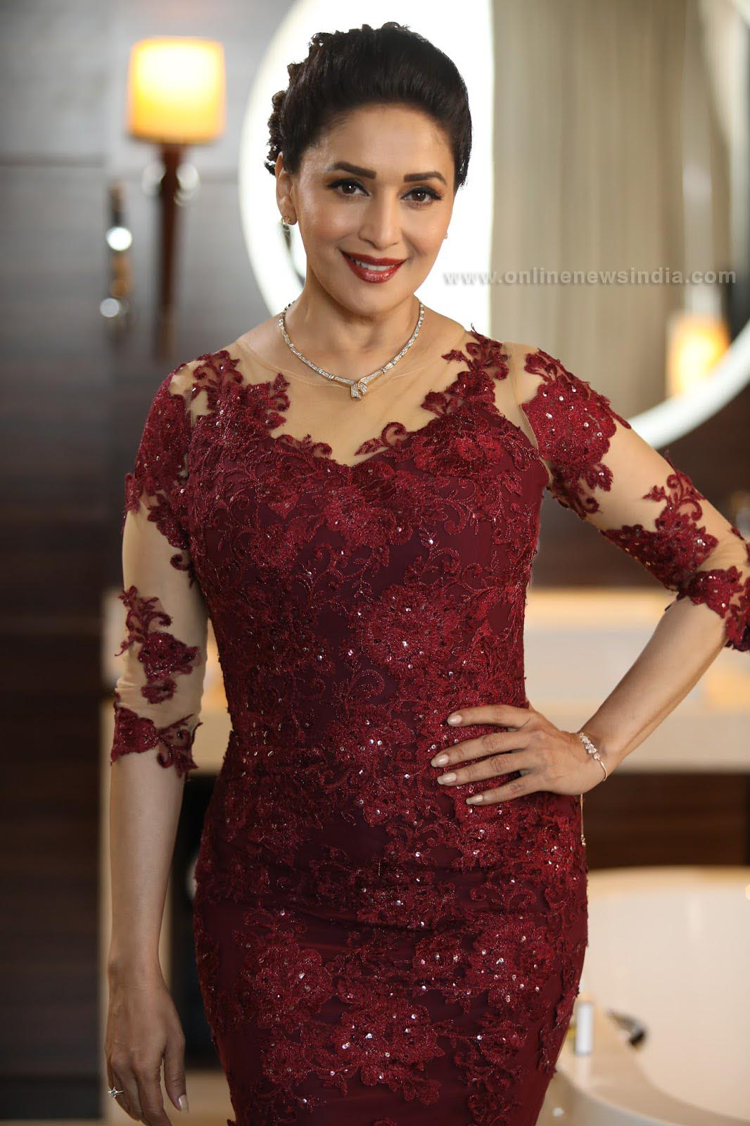 HQ Pic of Madhuri Dixit