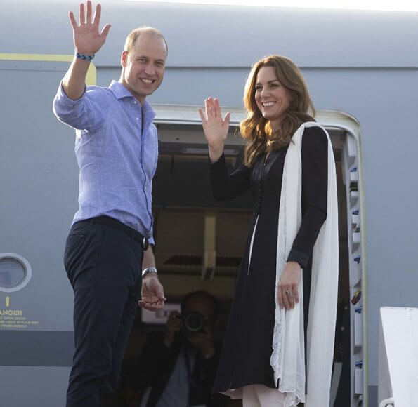 Kate Middleton wore a Kurta by Elan, one of Pakistan's leading design houses. Kate wore a crossover flat shoes by Russell and Bromley