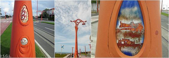 Farola y detalle de los esmaltes del paseo maritimo A Coruña