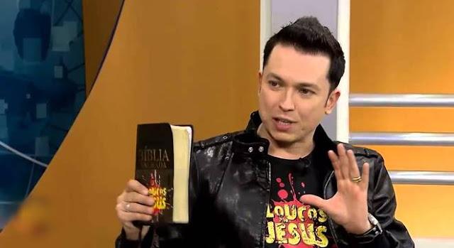 Pastor Lucinho Barreto sem camisa