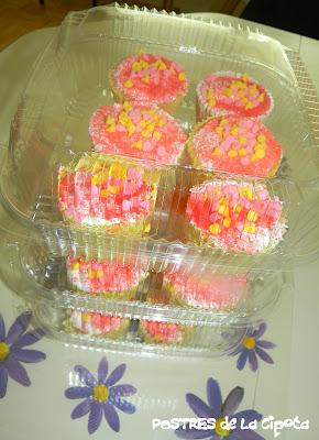 Guava Cupcakes (Quequitos de Guayaba)