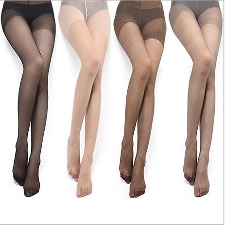 5122d59f2 A Gente que Fez  Pernas à mostra - A moda da Meia-calça