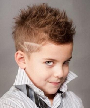 peinados verstiles para looks modernos cortes divertidos punk con el pelo en punta en la parte de arriba y cortos en los lados cortes asimtricos que