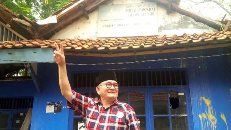 Ruhut Sitompul di Kantor Demokrat, Pulau Pramuka