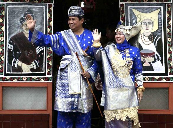 Pakaian Adat Minang