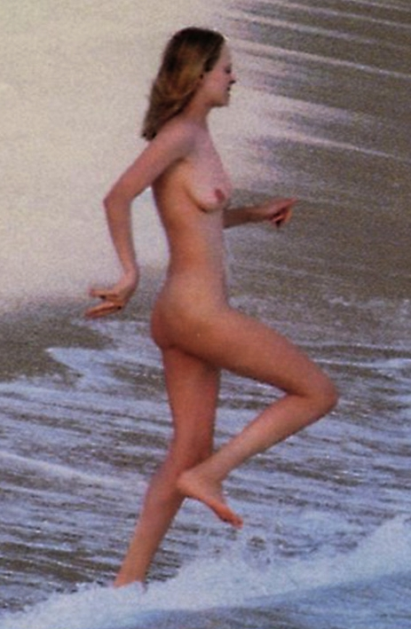 uma thurman nude on beach