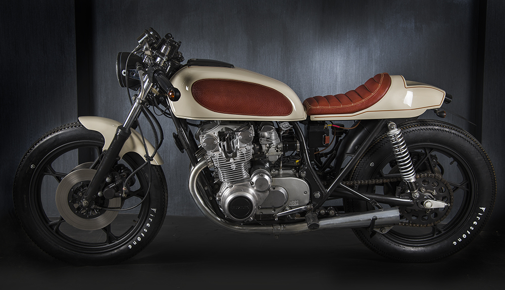 suzuki gs550 race cream ~ return of the cafe racers