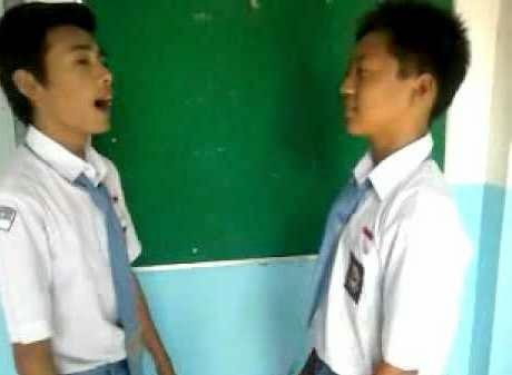 percakapan bahasa inggris 2 orang di sekolah
