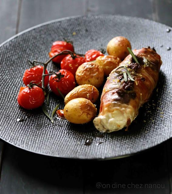 lotte, speck , tapenade , tomates cerise au four , grenailles , poisson facile à faire