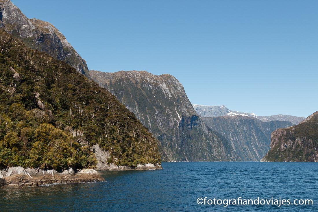navegar barco fiordo Milford Sound