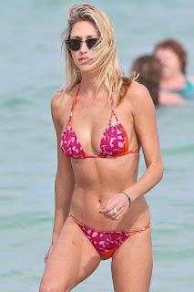 Lauren Stoner, Lauren Stoner Bikini