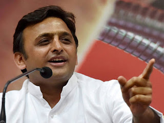 akhilesh-targets-modi-on-tweet