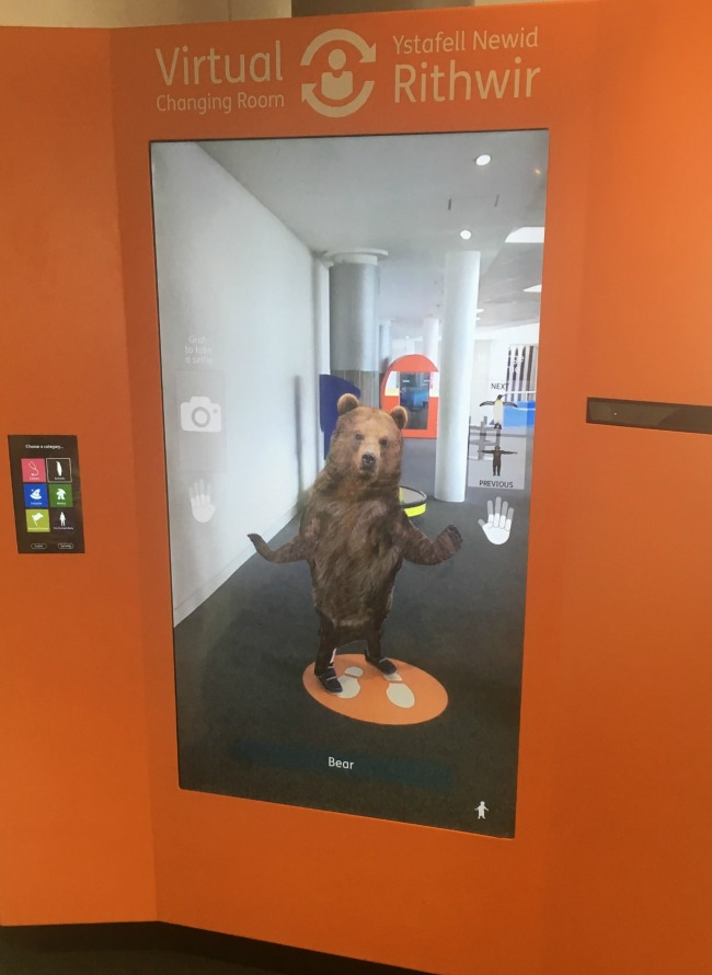 Techniquest-Virtual-Reality-changing-room-a-toddler-explores-animage-of-a-bear