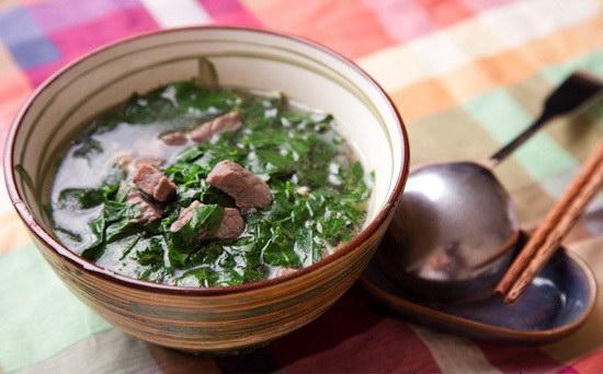 Cách nấu canh rau ngót với thịt bò