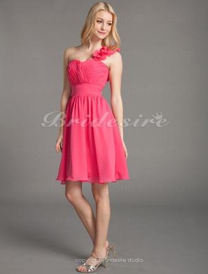 A-linje Chiffong Enkelaxlad Knälång Hjärtformad brudtärna klänning