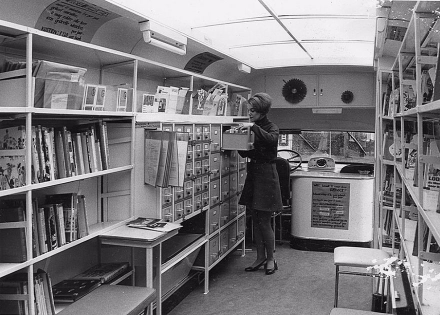 Before Amazon, We Had Bookmobiles 15+ Rare Photos Of Libraries-On-Wheels - Inside A Bookmobile, 1960s