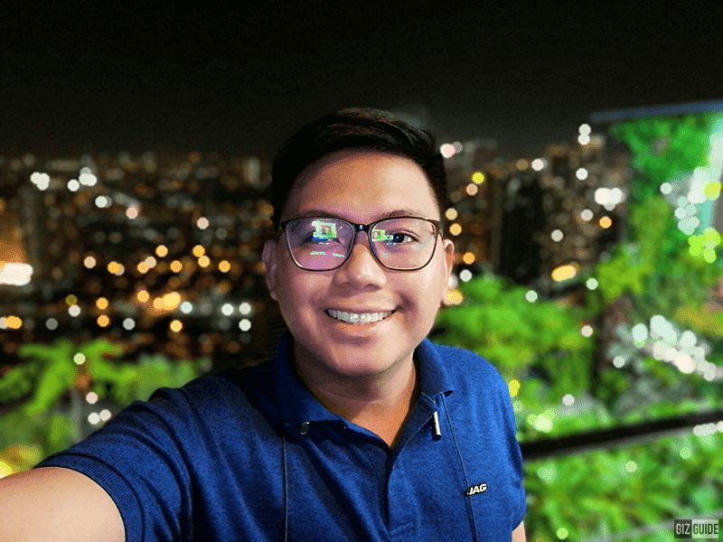 Low light selfie with bokeh