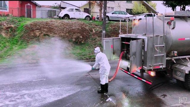 😷🇨🇱 Disponen mayores insumos para sanitizar calles