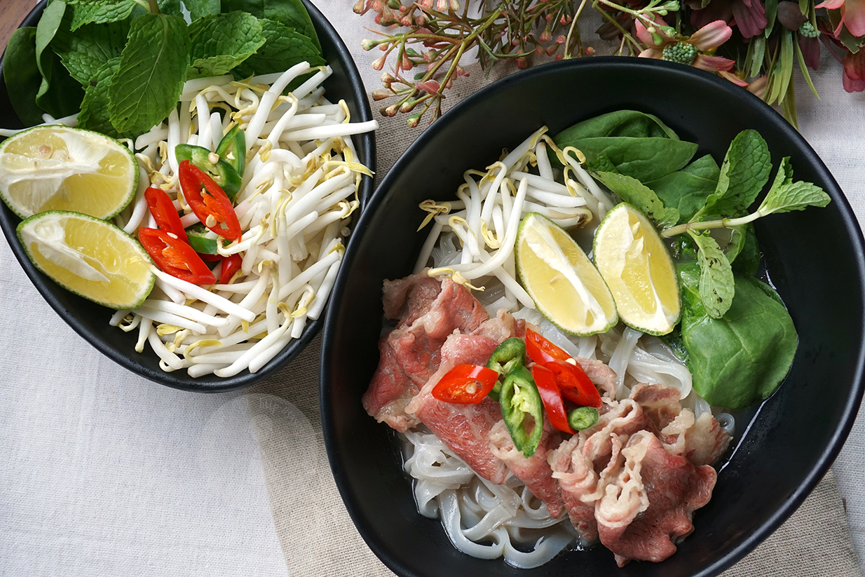 Say My Kitchen: Vietnamese Beef Pho 越南牛肉粉
