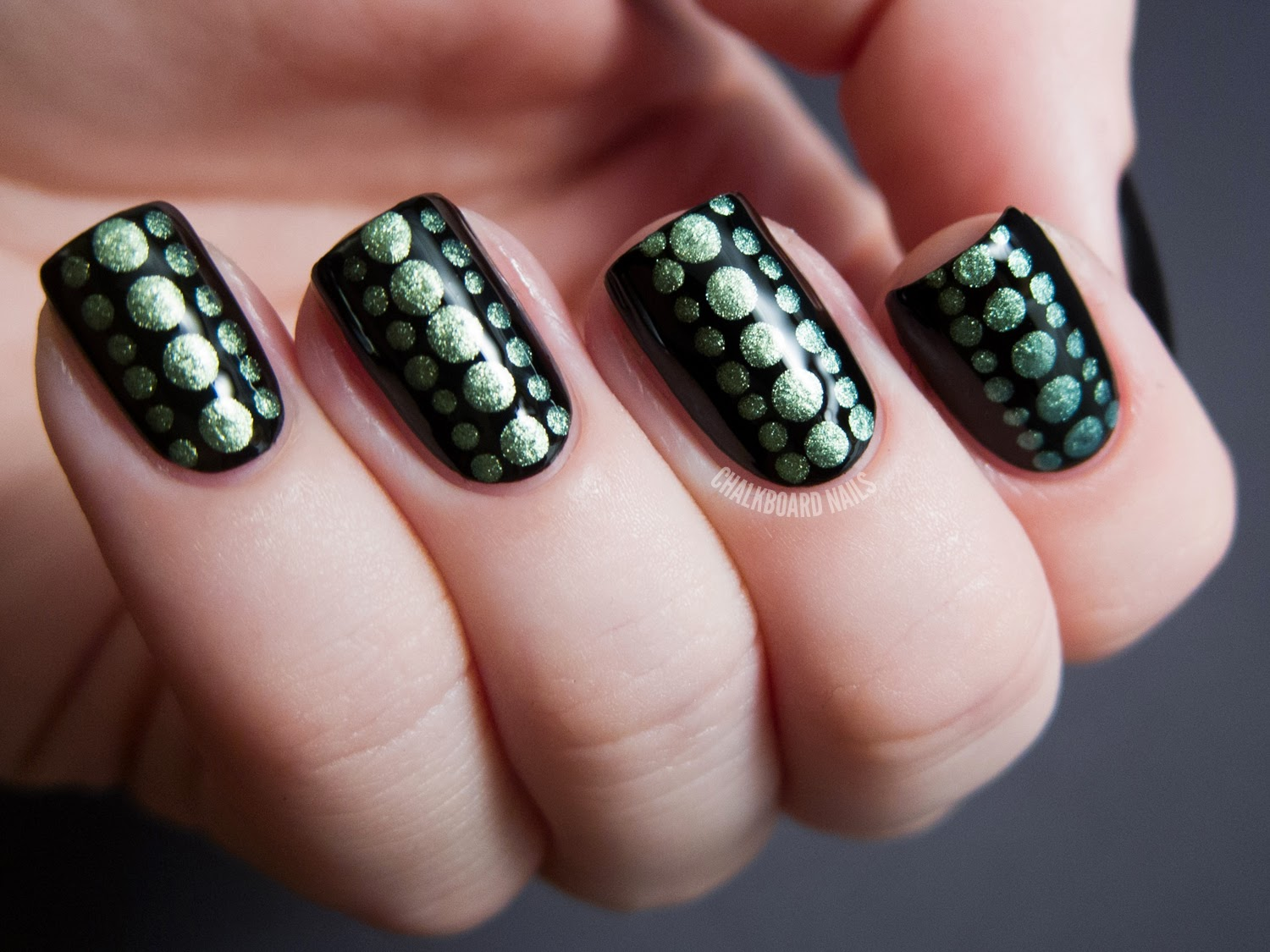 Fingernail Designs: Easy Nail Art