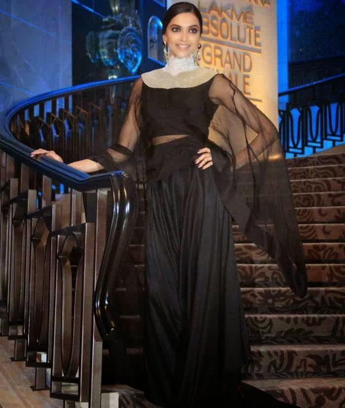 Deepika Padukone Stills At LFW 2015 For Anamika khanna Show