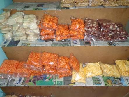 Tips Usaha Jualan Makanan Ringan Snack Serba 2000