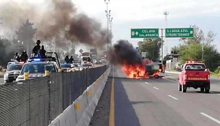 Guanajuato: Diez integrantes del CJNG abatidos y bloqueos fue el resultado el fin de semana por enfrentamientos.
