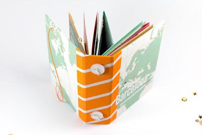 Minibook mit buntem Buchrücken