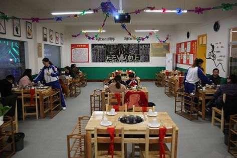 The classroom-themed restaurant with a big serving of nostalgia