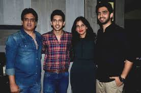 Armaan Malik Family Wife Son Daughter Father Mother Age Height Biography Profile Wedding Photos