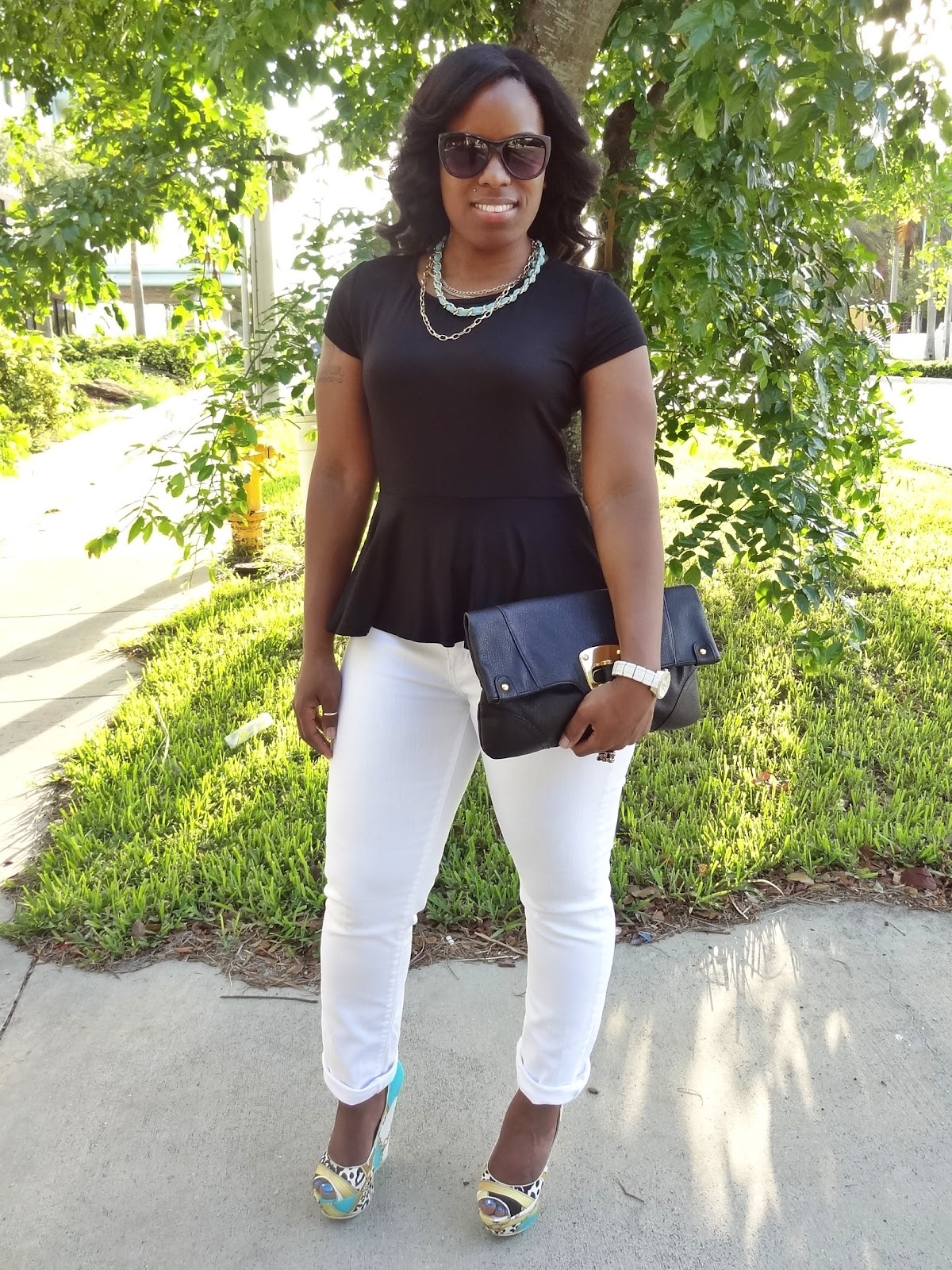 cad934aa76 What Shirt To Wear With White Jeans - Gomes Weine AG