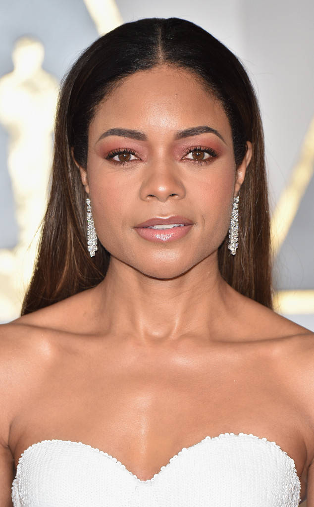 WHO WORE WHAT89th Annual Academy Awards Naomie Harris In Calvin Klein Collection Nick