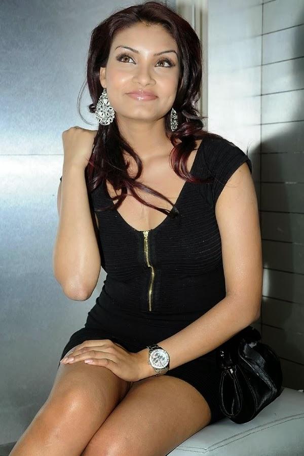 Desi beautiful punjabi kudi khet me nanga - 3 part 8