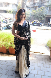 Neetu Chandra in Black Saree at Designer Sandhya Singh Store Launch Mumbai (28).jpg