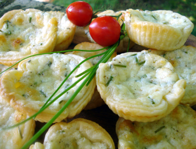 Puff pastry cheese and chives baskets by Laka kuharica: flaky puff pastry baskets with melted cheese filling.