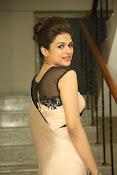 shraddha das latest glamorous photos-thumbnail-18