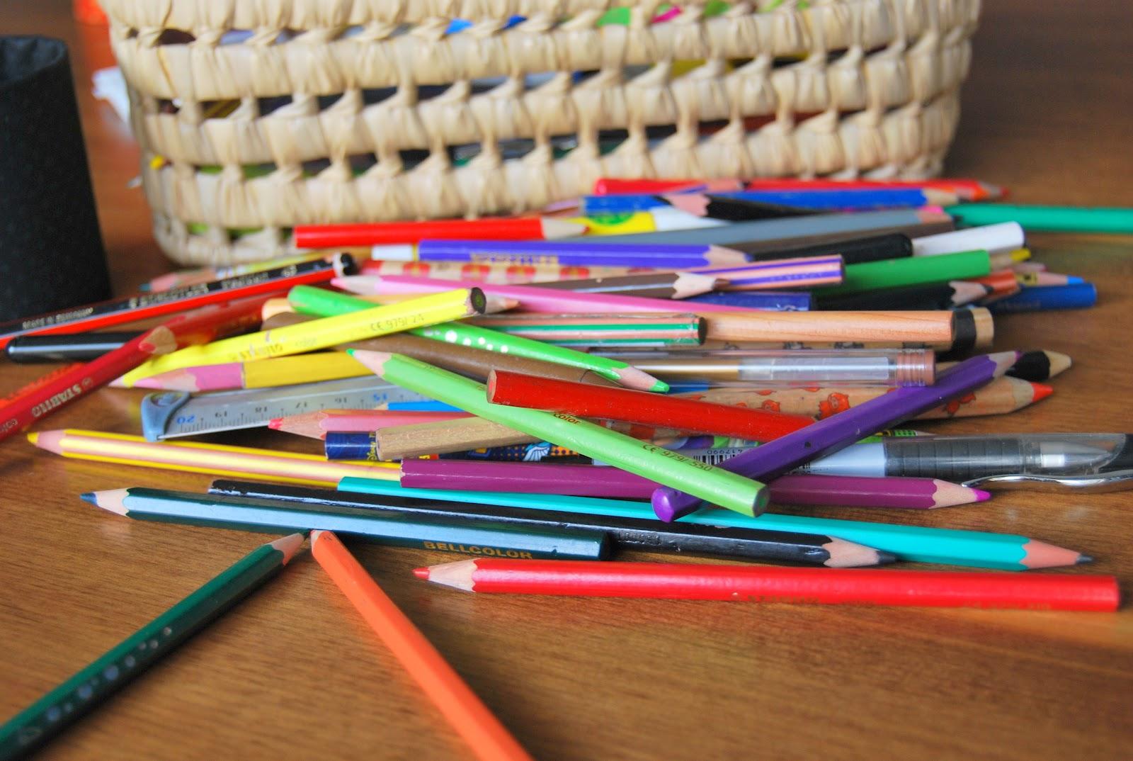 le grand bazaar le cauchemar du crayon de couleur trop court ou comment organiser les 3471. Black Bedroom Furniture Sets. Home Design Ideas