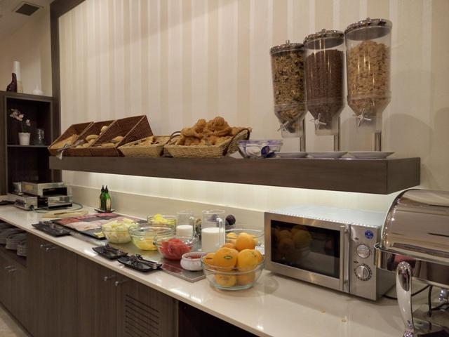 Buffet de desayuno del Hotel Maestranza de Ronda
