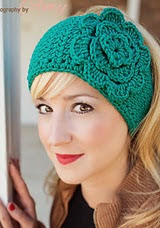 http://www.ravelry.com/patterns/library/easiest-headwrap-ever