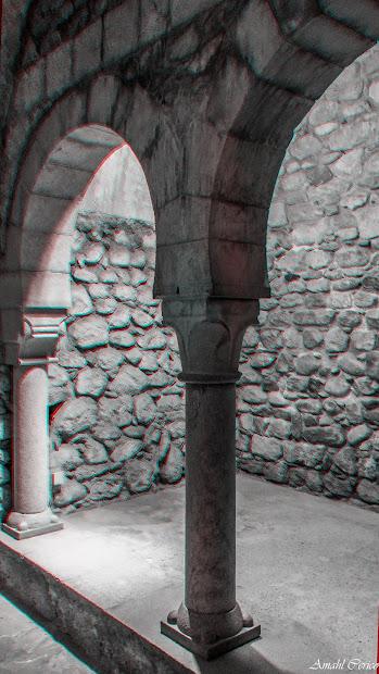 Frigidarium. One of the many arches in Banys Arabs
