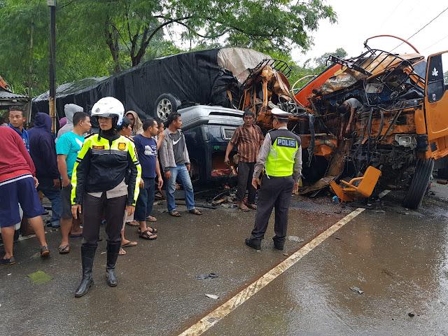 Kecelakaan Beruntun Terjadi Diruas Jalan Medan-Berastagi, 3 Orang Meninggal Dunia