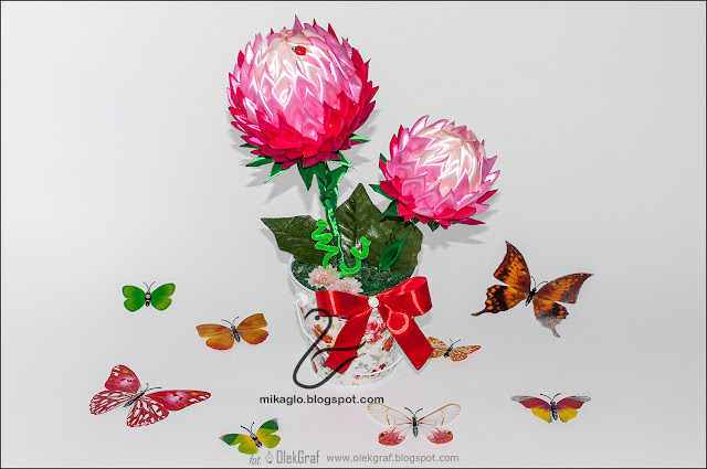 621. Kwiaty ze wstążek w doniczce