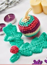 http://www.letsknit.co.uk/free-knitting-patterns/christmas-decorations