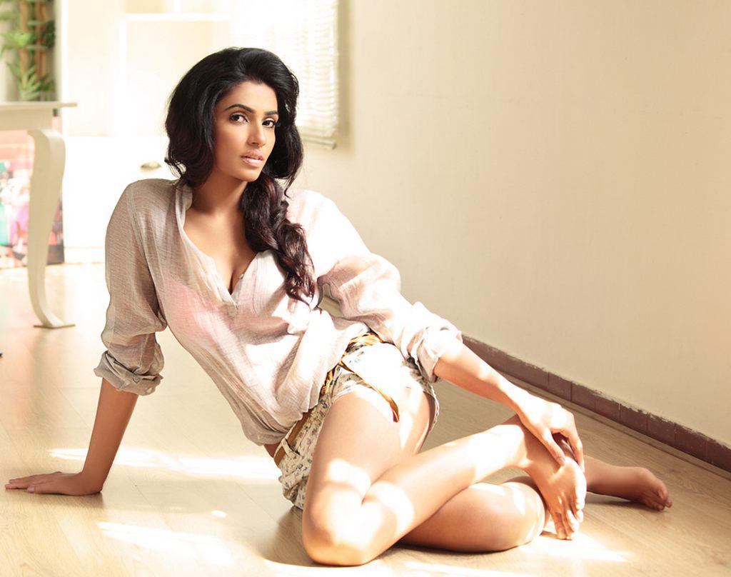 Actress AksharaGowda Latest Images
