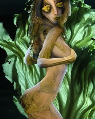Escultura hecha con col y lechuga