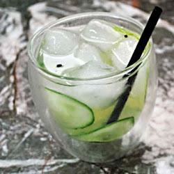 Gin-tonic con pepino