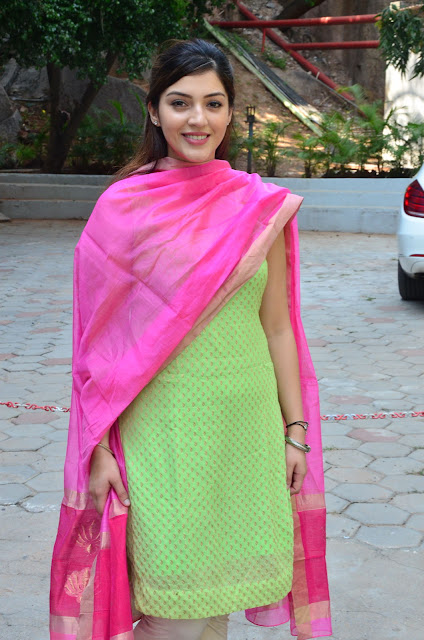 Mehreen Kaur latest hd stills 2016