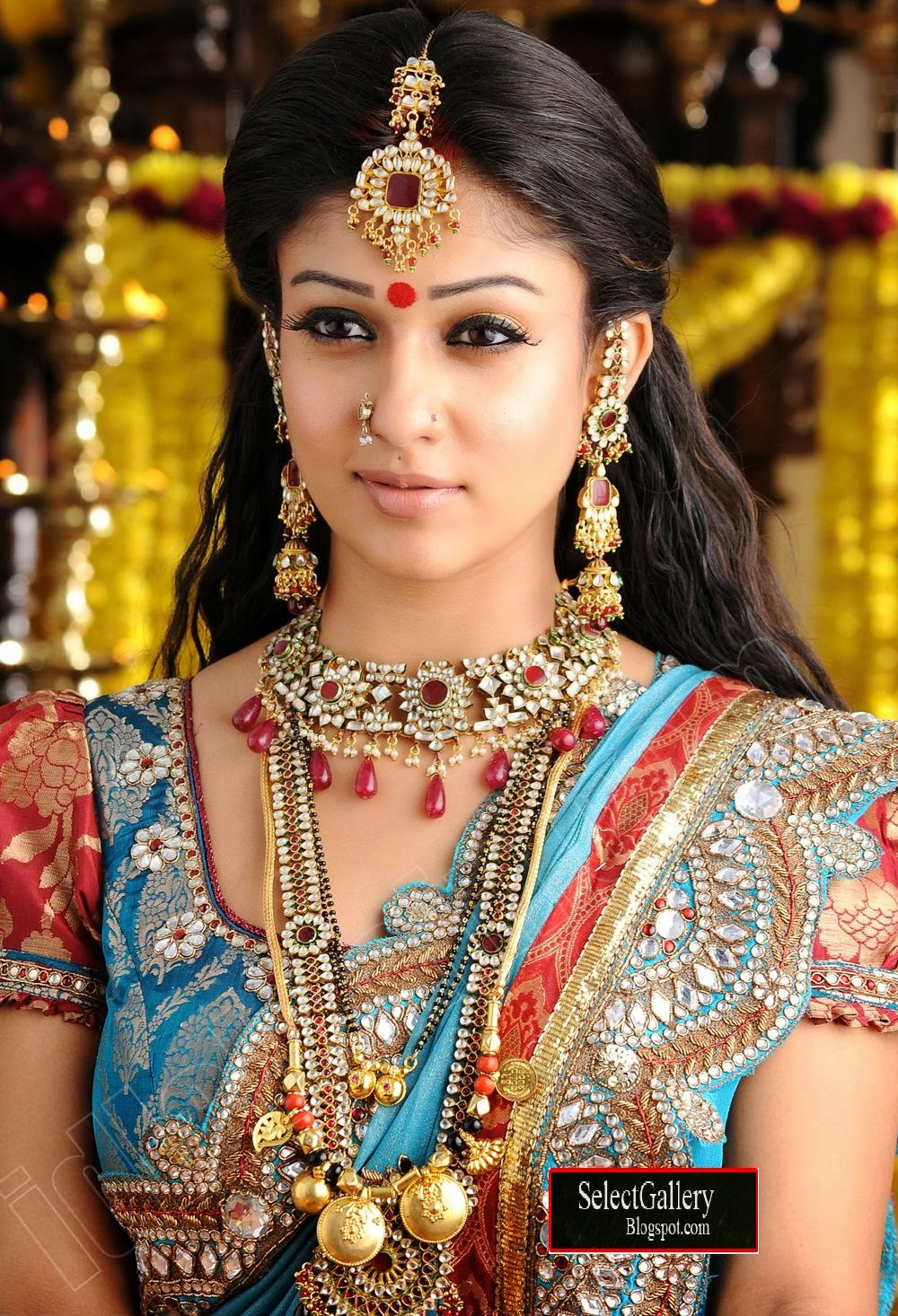 actress nayanthara indian looks wear saree tara south traditional film actresses sahaja stylish nayantara buli chil telugu open copyright ornaments