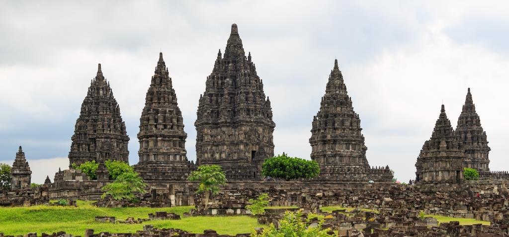 Akulturasi Kebudayaan Nusantara Dan Hindu Buddha Muttaqin Id